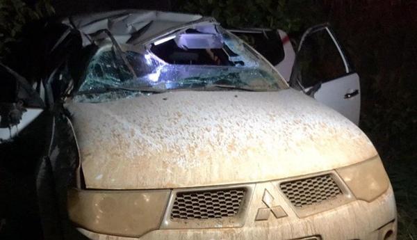 Mulheres ficam feridas após capotamento de caminhonete na BR-319