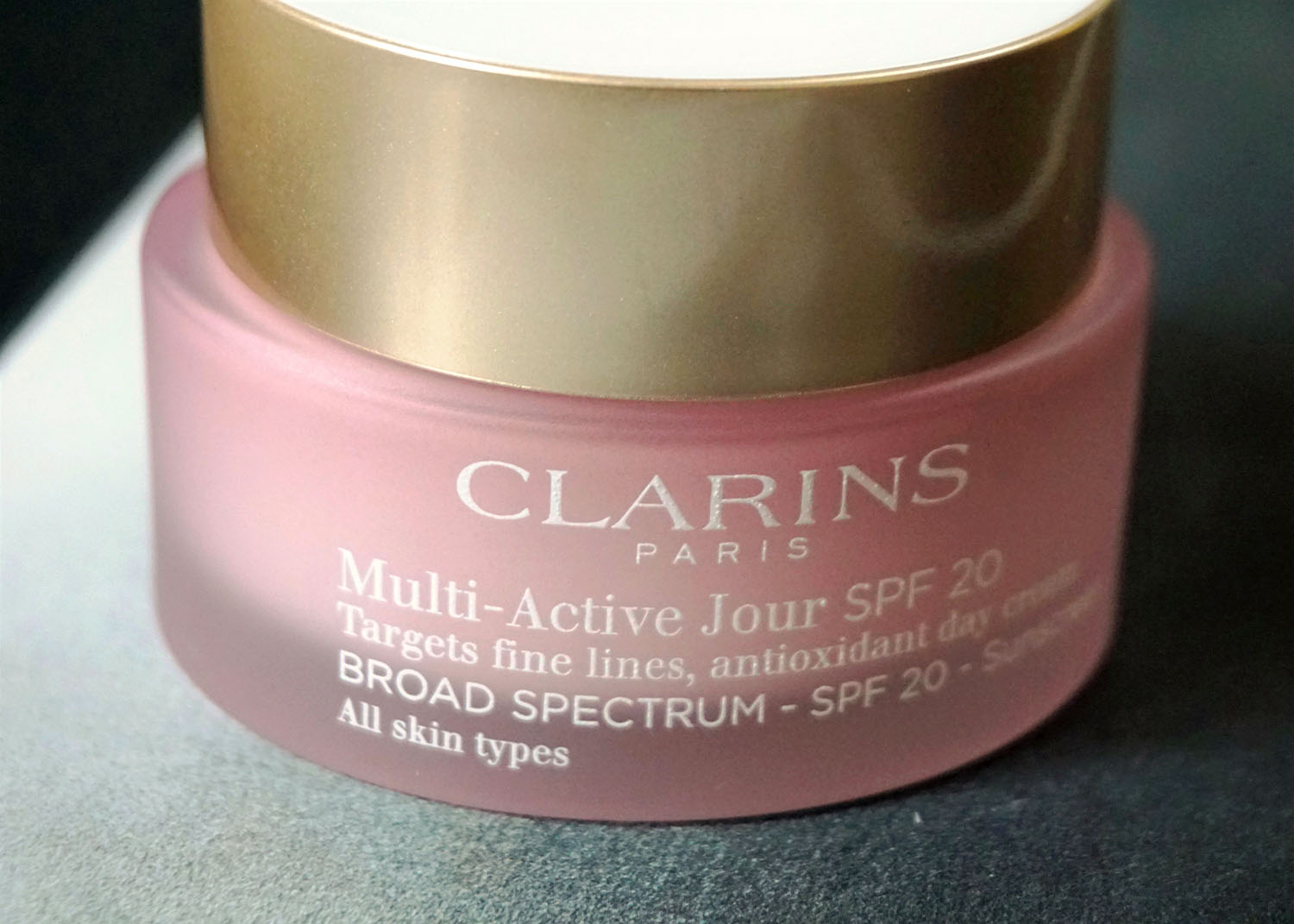clarins multi active jour day cream spf 20 review bella noir beauty. Black Bedroom Furniture Sets. Home Design Ideas