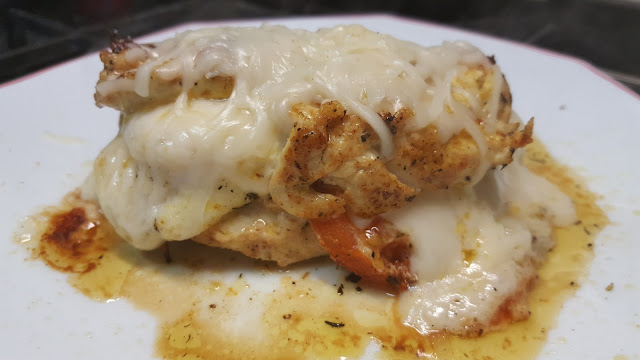 Receta Pechugas pollo rellenas de tomate y queso.