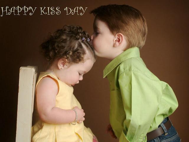 cute kiss day