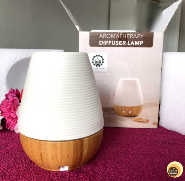 Packaging of Utama Spice Sonoma Yi aromatherapy diffuser lamp