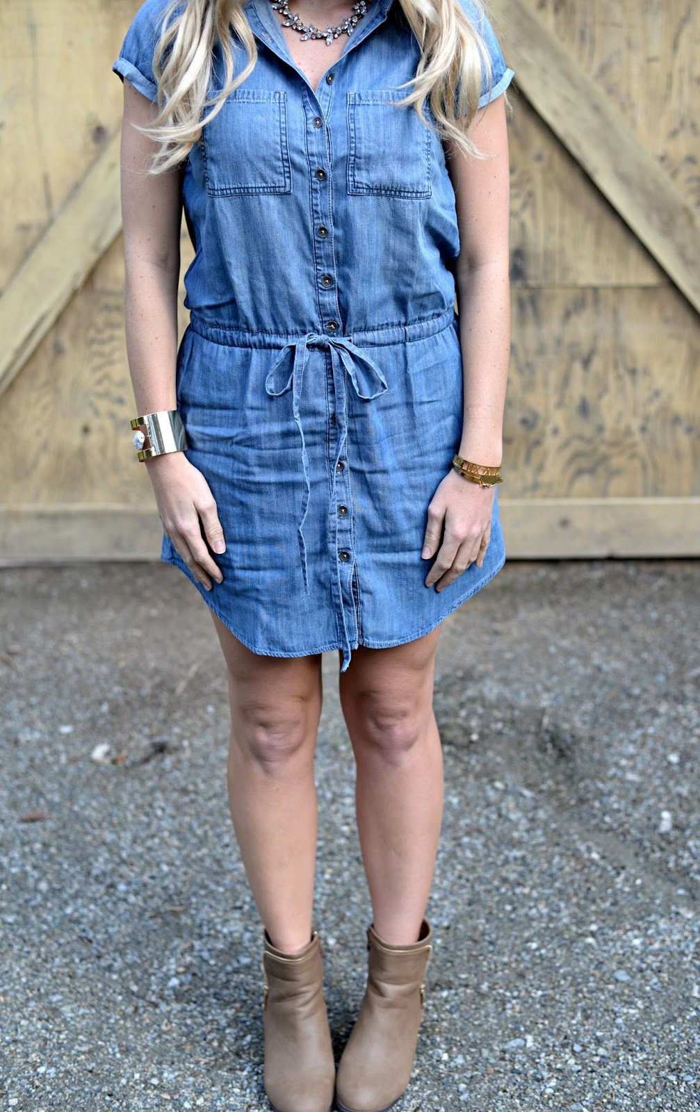 how-to-style-a-denim-dress