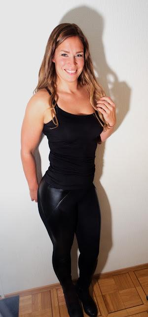 leeloo, legginssit, Bas Bleu Meloe, tyylikäs, näyttävä, keinonahka yhdistettynä kankaaseen, muotoilevat, korkea vyötärö, upea, naisellinen, seksikäs, nainen, hymy, kaunis, kauneus