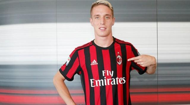 AGEN BOLA - Andrea Conti Resmi Gabung AC Milan