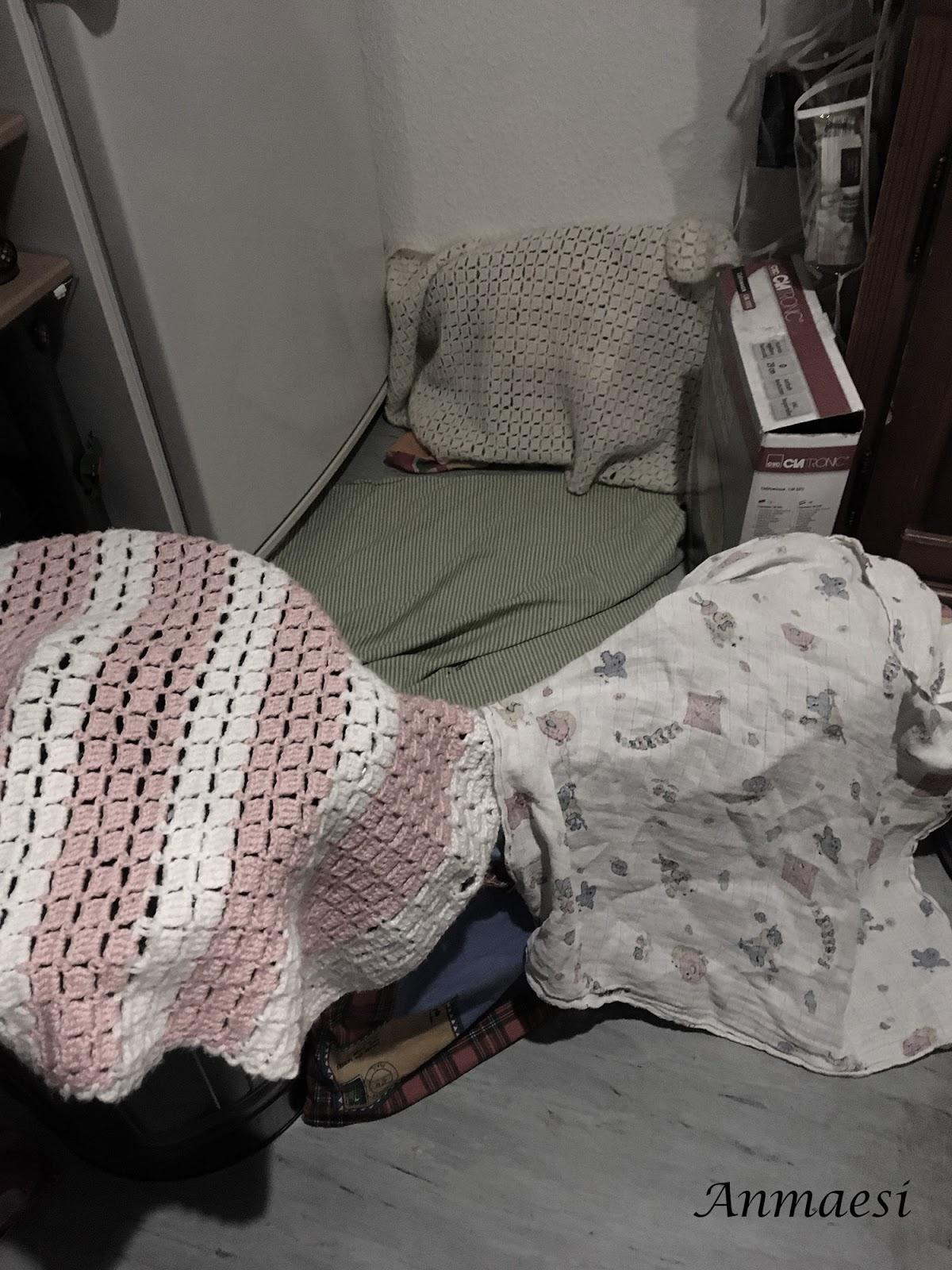 Abends Hat Krümel Im Wohnzimmer Ihr Halbes Kinderzimmer Aufgebaut. Als Ich  Dann Zum Kochen In Die Küche Ging, Zog Sie Direkt Hinterher (macht Sie  Jedes Mal, ...