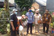 Menjelang Hari Raya Idul Adha, Lurah Dursel Serahkan Bantuan 1 Ekor Hewan  Qurban