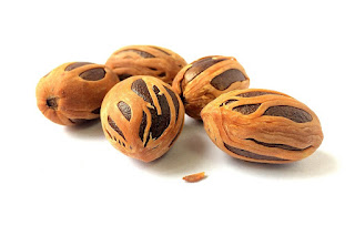 Benefits of Nutmeg (Jaiphal) Spice for Hair