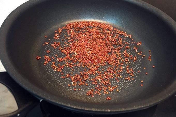 Crema de zanahoria con crujiente de quinoa