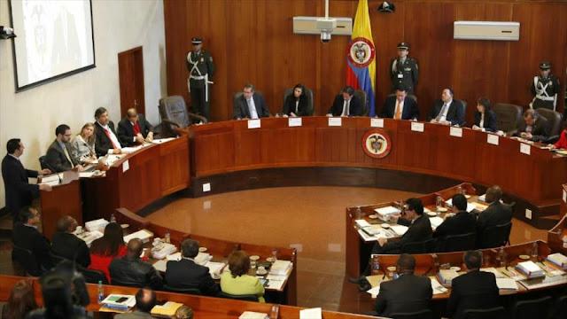 Colombia aprueba una vía rápida para aplicación de acuerdo de paz