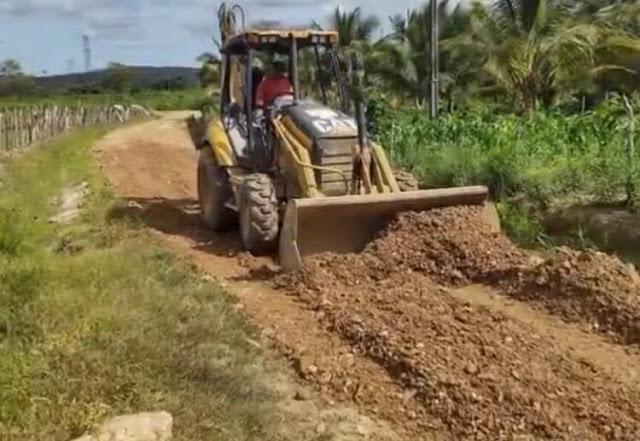 Prefeitura de Primavera concluí piçarramento da estrada do engenho Riqueza