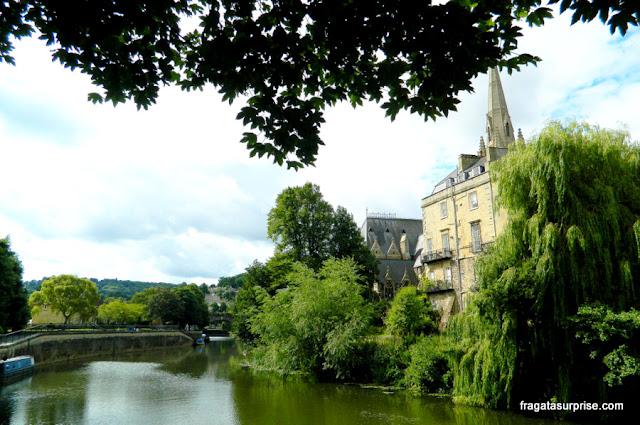 Parade Green, área verde às margens do Rio Avon, em Bath