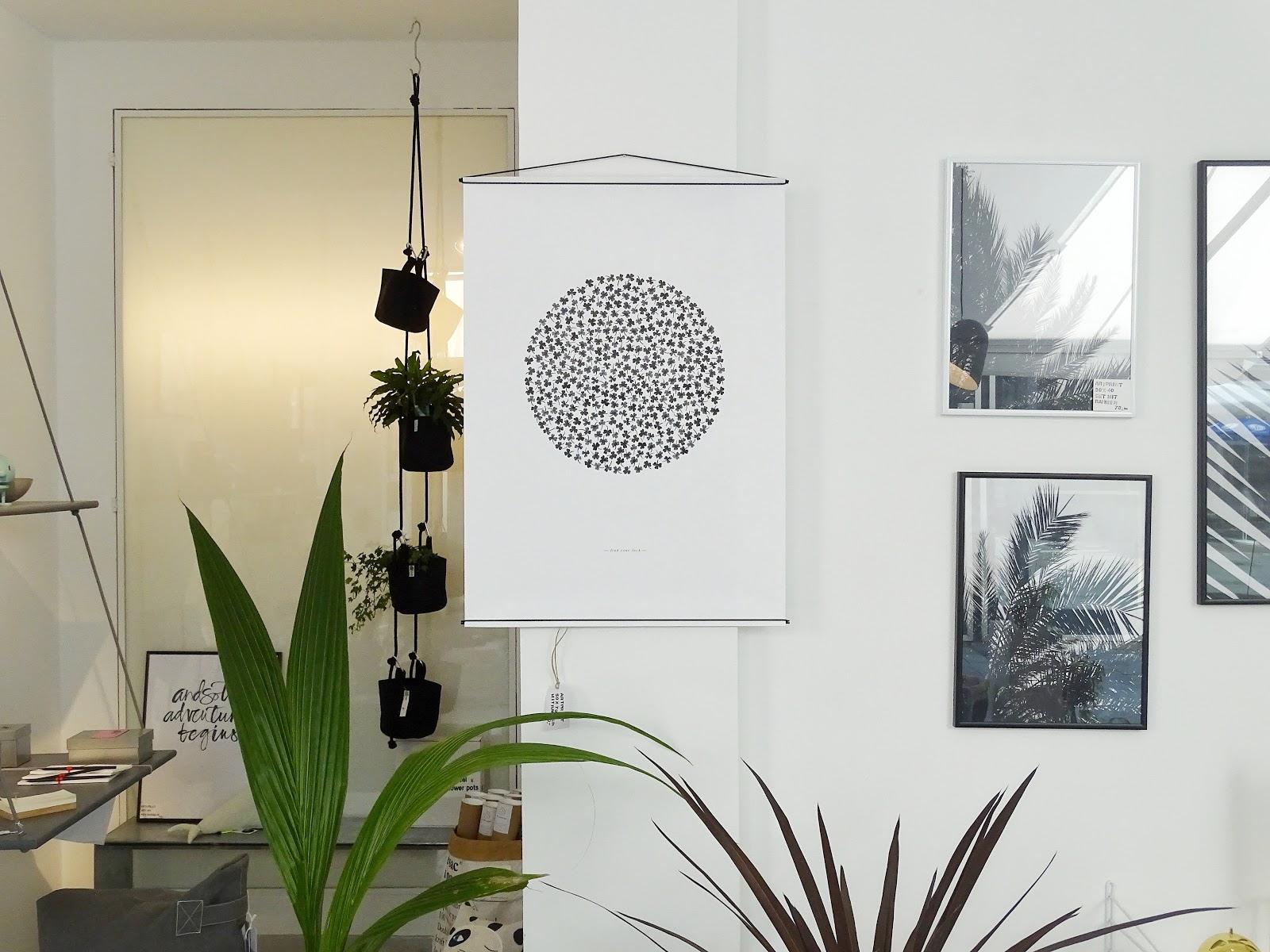 diy deko idee mit farblich aufgeh bschten blumentont pfen wie man pflanzen zum leuchten bringt. Black Bedroom Furniture Sets. Home Design Ideas