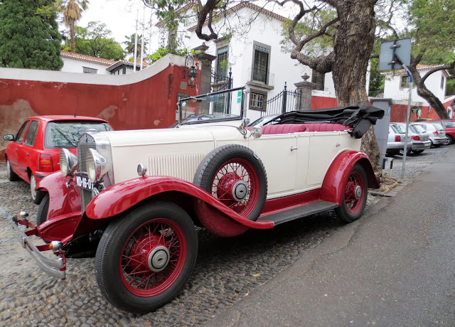 old car to rent in OldTimer Tours