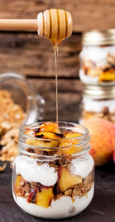GRILLED PEACH BREAKFAST PARFAIT