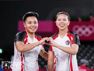 Pebulutangkis   Greysia Polii & Apriyani Rahayu sukses merebut medali  Emas