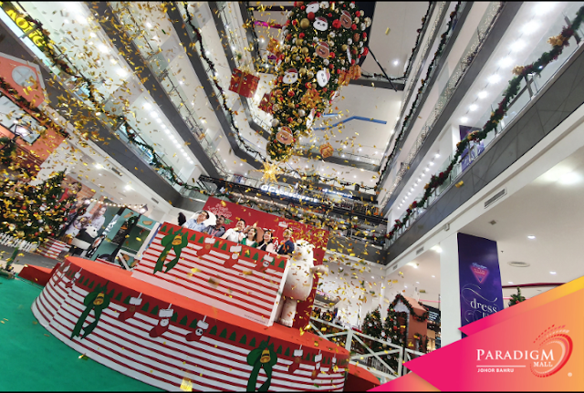 MALAYSIA'S BIGGEST UPSIDE-DOWN CHRISTMAS TREE LIFTS HOLIDAY SPIRIT AT PARADIGM MALL JOHOR BAHRU