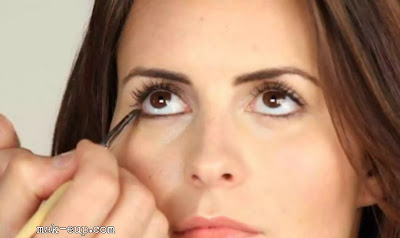 A light makeup for big eyes in 5 steps only!