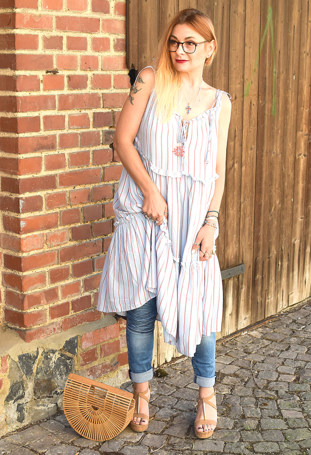 Kleid über Hose, Sommerlook