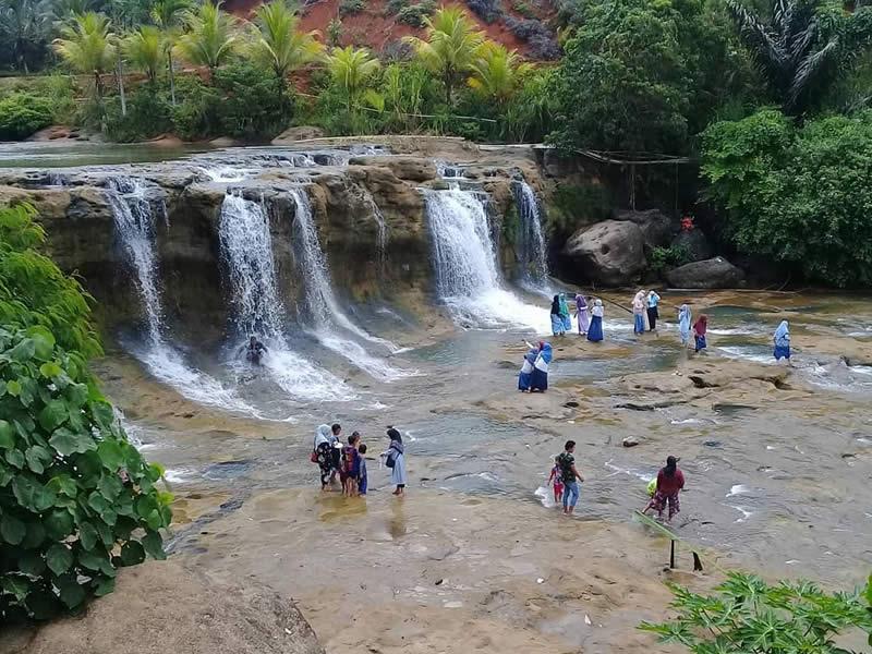 Curug Dengdeng Tempat Wisata di Tasikmalaya Terbaru