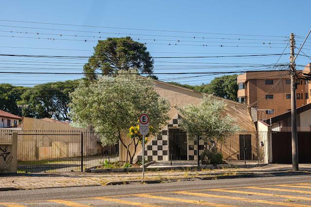 Loja Simbólica Fraternidade Paranaense nº 5 na Avenida Visconde de Guarapuava