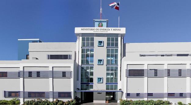 El ministerio de energ a y minas impide a falcondo sacar for Ministerio de minas