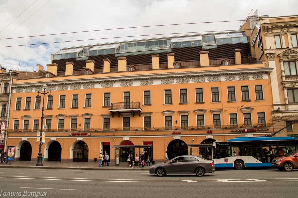 Торговый центр на Невском проспекте снаружи фото