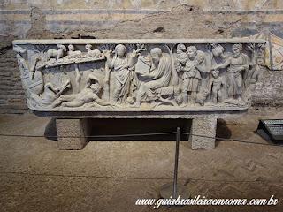 Santa Maria Antiqua sarcofago paleocristao Portugues - Igreja de Santa Maria Antiqua no Foro Romano