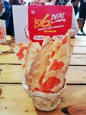 menu buka puasa sweet crack panties pizza