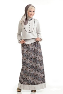Busana muslim batik untuk kerja yang fashionable