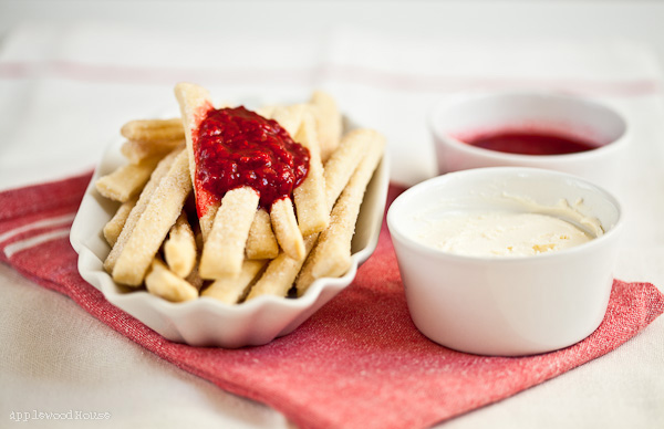 Pie Fries mit Himbeersauce