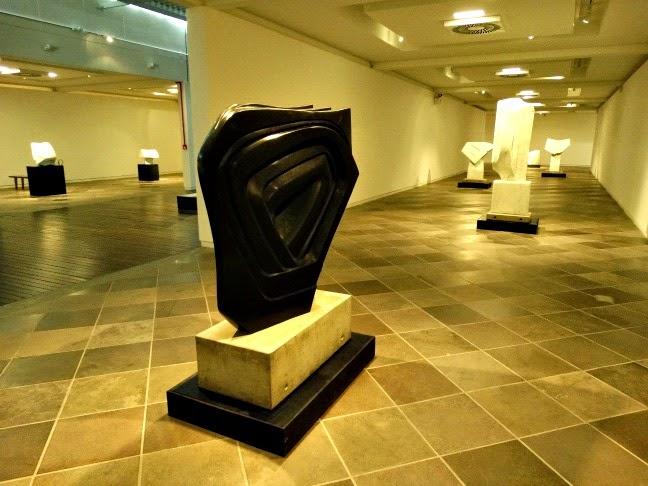 Exposição de esculturas no Masc.