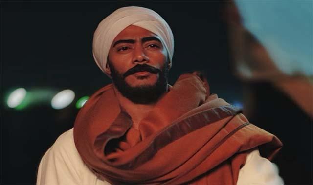 عمرو أديب يقاضي محمد رمضان لو محدش رباك أنا اللي هربيك