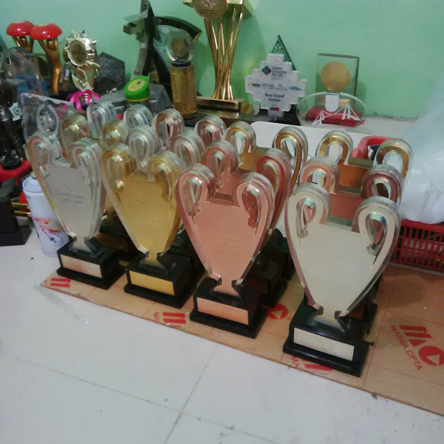 Plakat Akrilik Murah Pastikan Pilih Pusat Plakat plakat-trophy.com