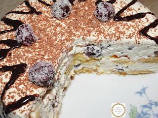 Tort de casa cu piscoturi si visine reteta rapida fara coacere cu frisca mascarpone lapte unt ciocolata smantana zahar retete culinare mancare dulce torturi prajitura prajituri desert deserturi dulciuri fructe cremos,