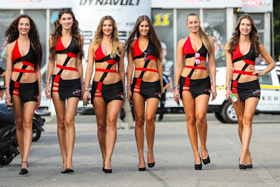 F1 Grid girls