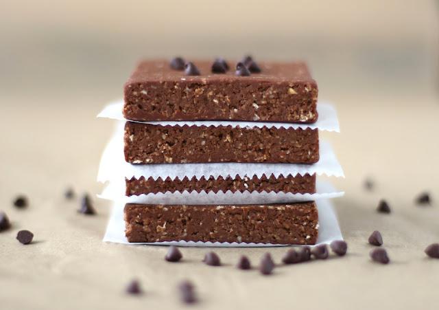 Healthy Triple Chocolate Fudge Protein Brownies recipe (refined sugar free, high protein, high fiber, gluten free, dairy free, vegan) - Healthy Dessert Recipes at Desserts with Benefits