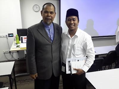 Khaidir Zakaria bersama Rafie Omari di MII