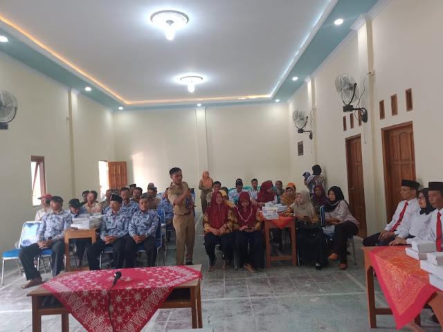 Kodim Karanganyar – Batuud Mojogedang Hadiri Pelantikan dan Pengambilan Sumpah Jabatan Perangkat Desa Pereng