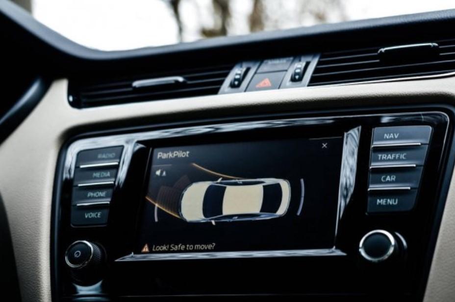 kehadiran mobil pintar tak lepas dari ancaman