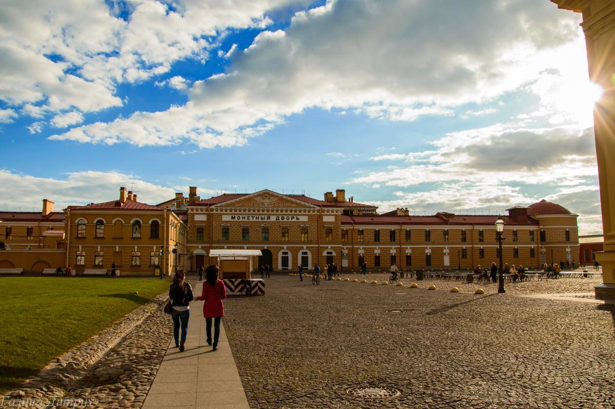 Монетный двор в Петропавловской крепости фото