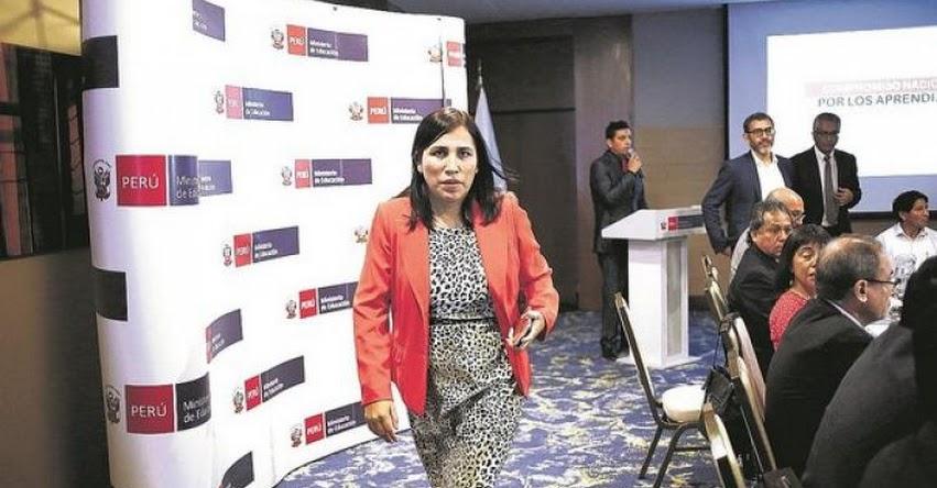 MINISTRA DE EDUCACIÓN EN LA MIRA DEL CONGRESO: Buscan firmas para interpelar a Flor Pablo Medina