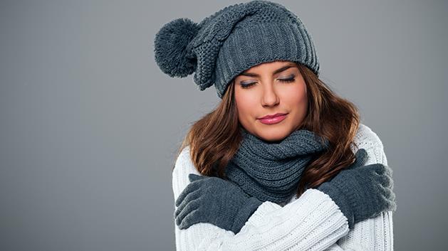 10 συμβουλές για να μην κρυώνετε κι ας έχει έξω πολικές θερμοκρασίες