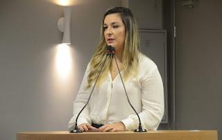 CCJ emite parecer pela derrubada de veto a projeto de Camila que prevê denúncia de violência contra mulher via WhatsApp