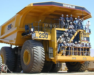 in world many autos: The Worlds Largest Trucks Caterpillar ...