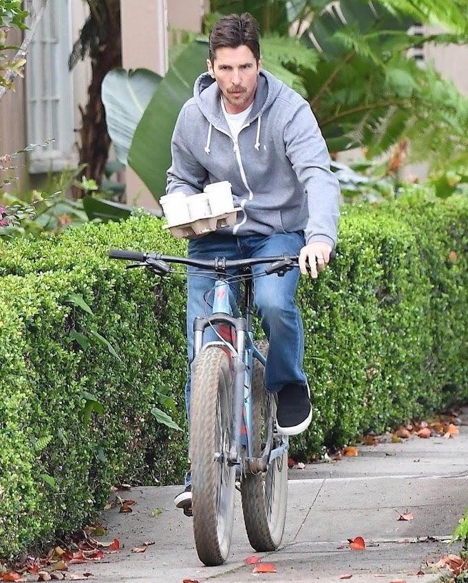 週末の金曜日の朝に、チャリに乗って、コーヒー☕買い出しのパシリもしてくれるオスカー俳優のいい人のクリスチャン・ベールが、「ソー4」では悪い奴だということが明らかになった‼️😈