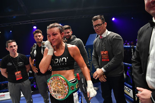 Katharina Thanderz WINS WORLD TITLE