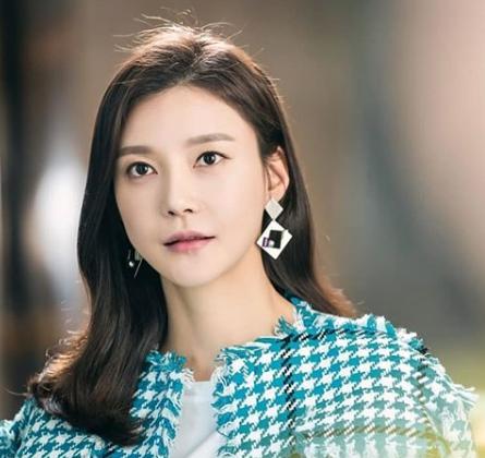 Cha Ye-Ryun - Profil, Biodata dan Fakta