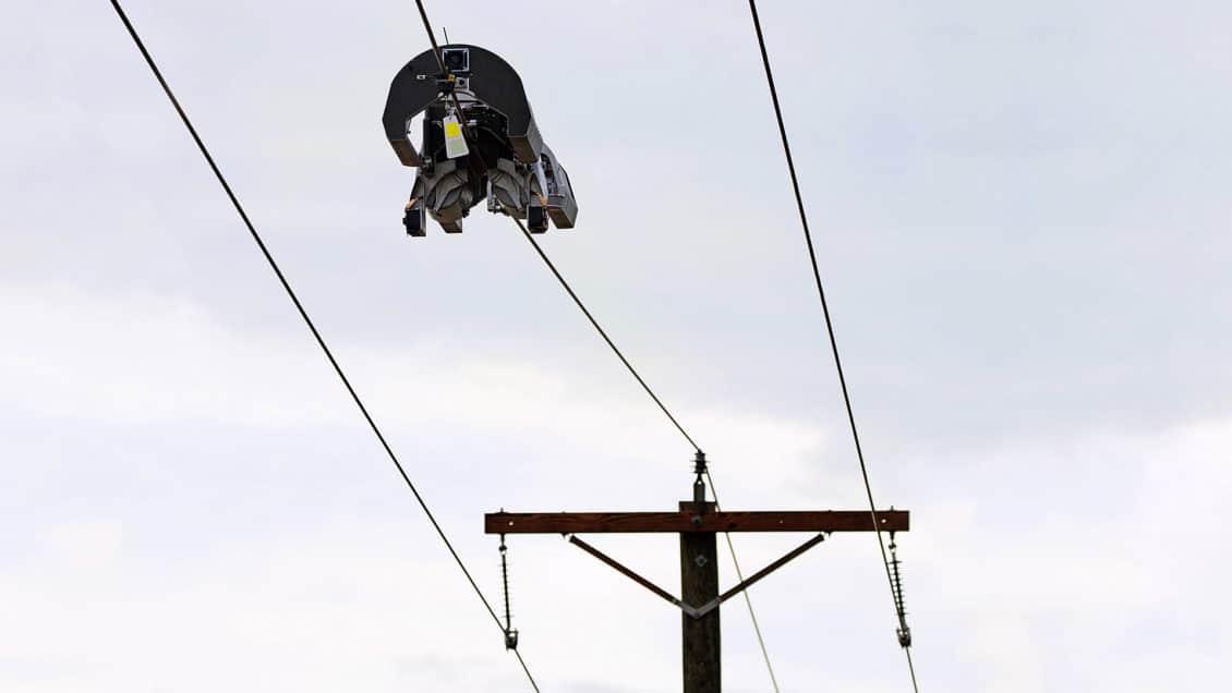 Facebook has built acrobatic robots to install optical fiber cables