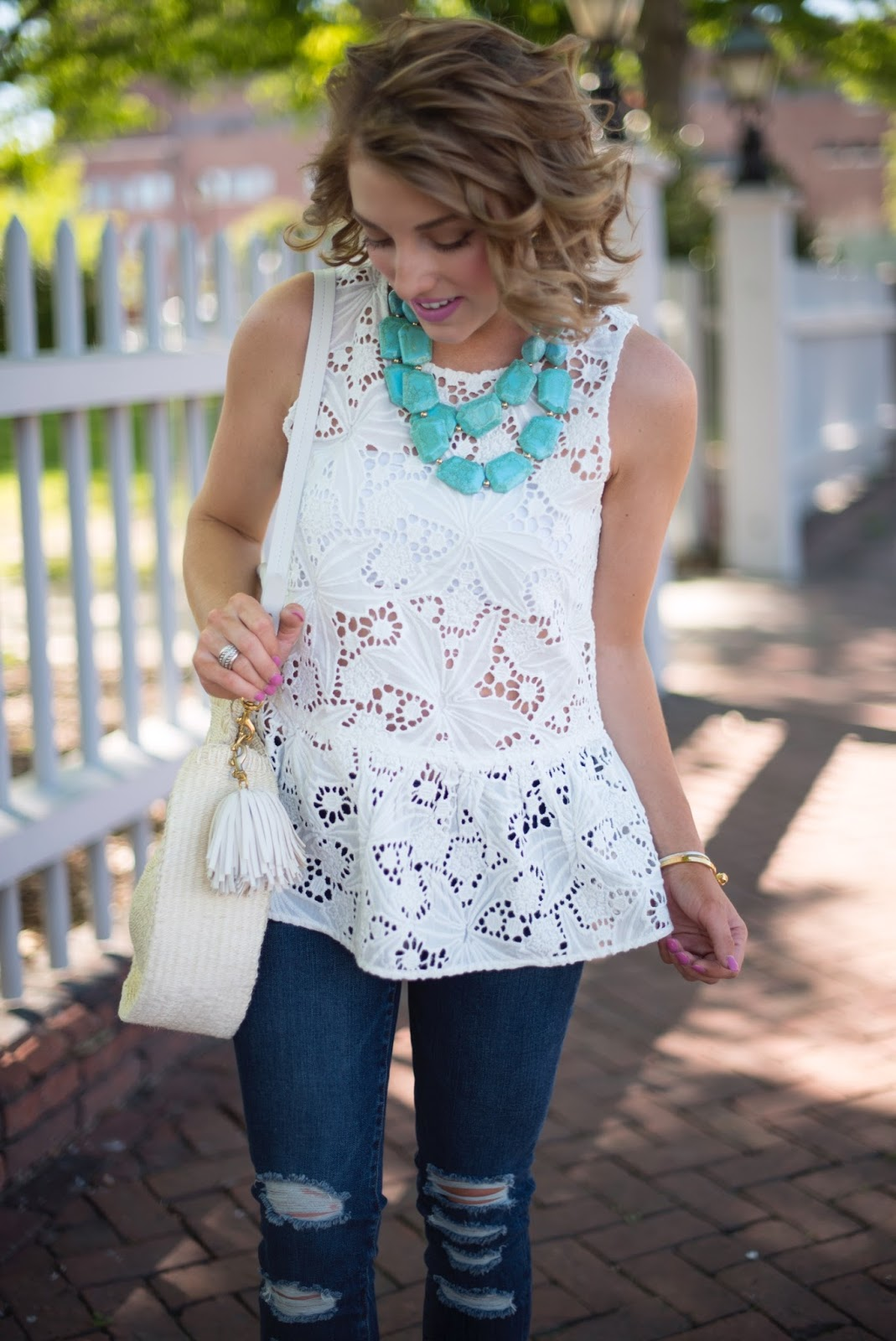 White lace + Turquoise - Click through to see more on Something Delightful Blog