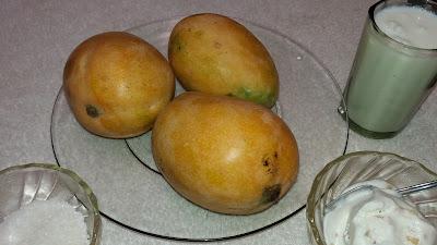 http://www.indian-recipes-4you.com/2017/04/mango-milkshake-recipe-by-aju-p-george.html
